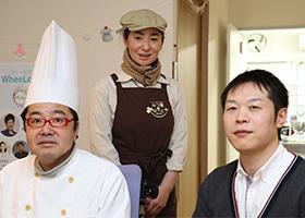写真:編集部員と西村ご夫妻